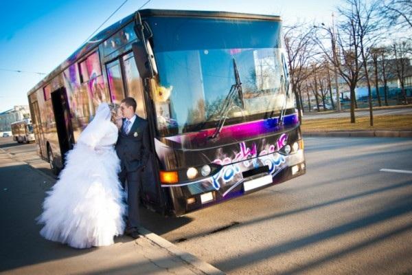 прокат автобусов на свадьбу